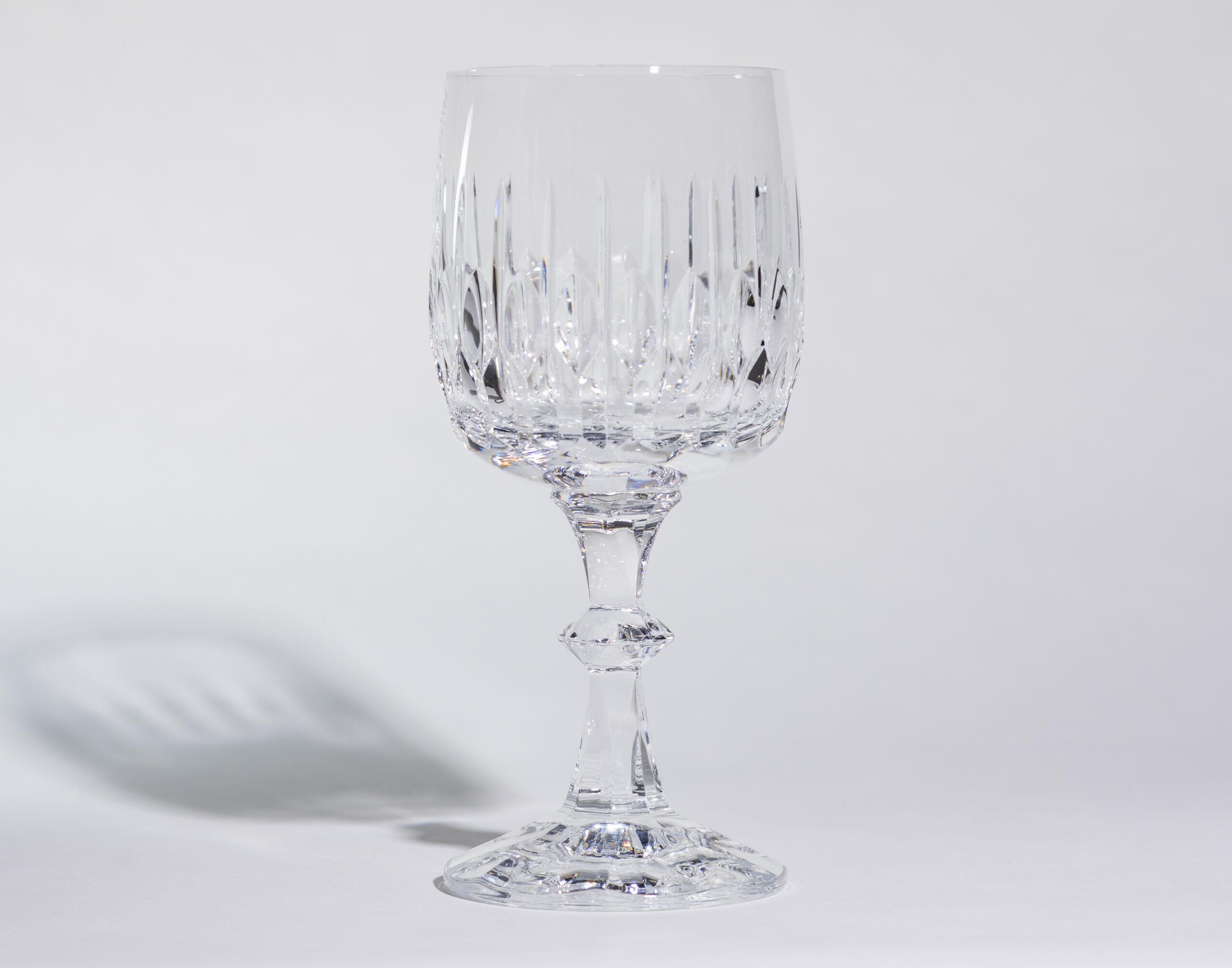Wine glasses (8oz, stemmed)