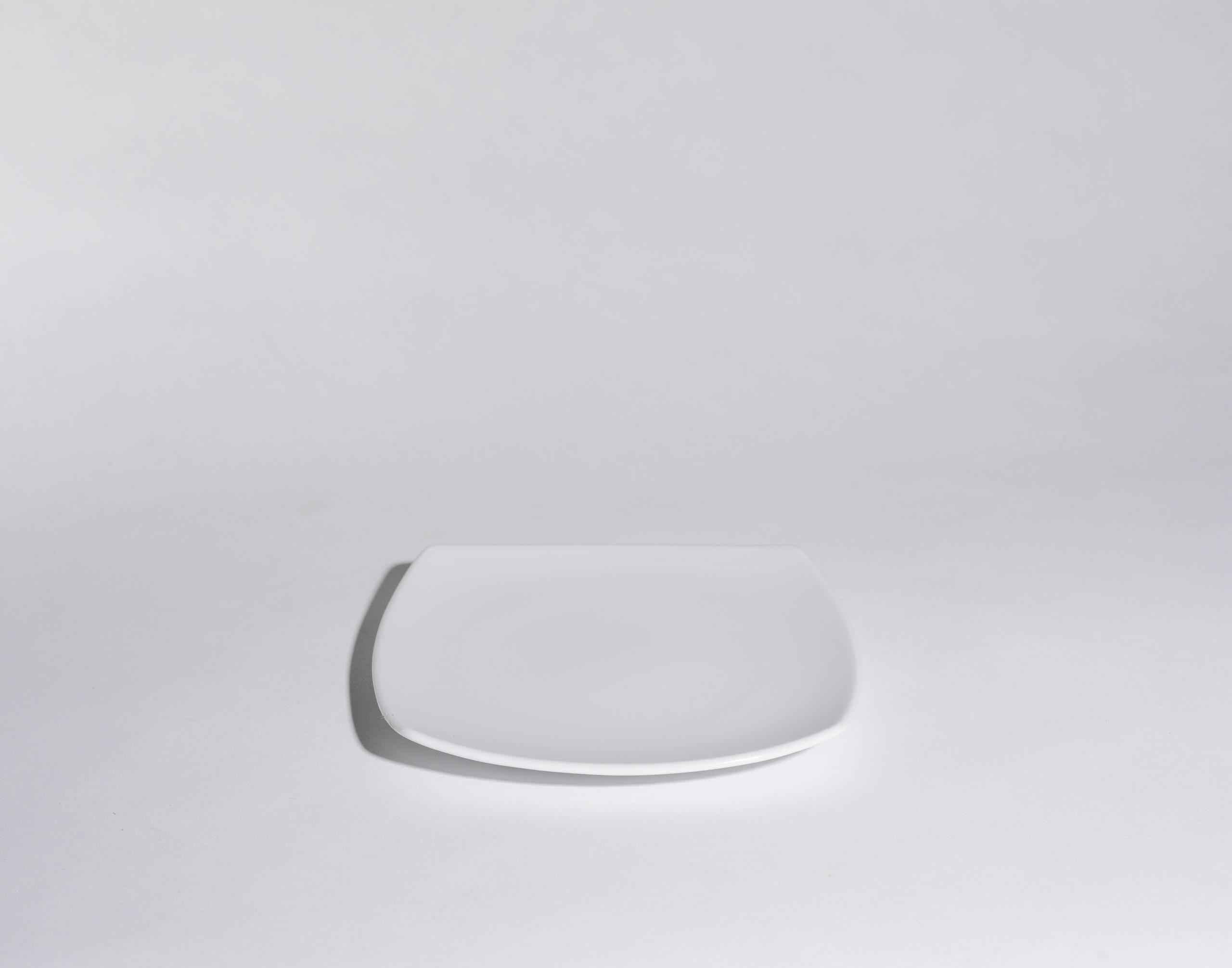 Bread plates (6'')