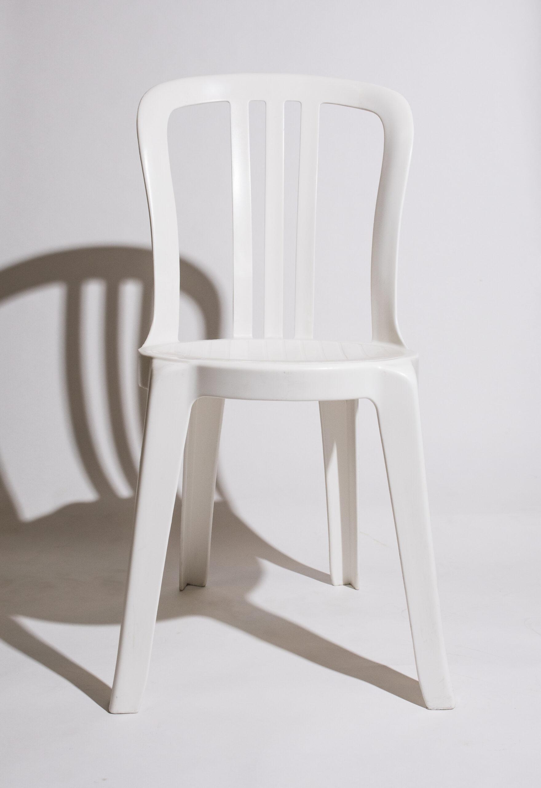 Bistro (white, plastic)