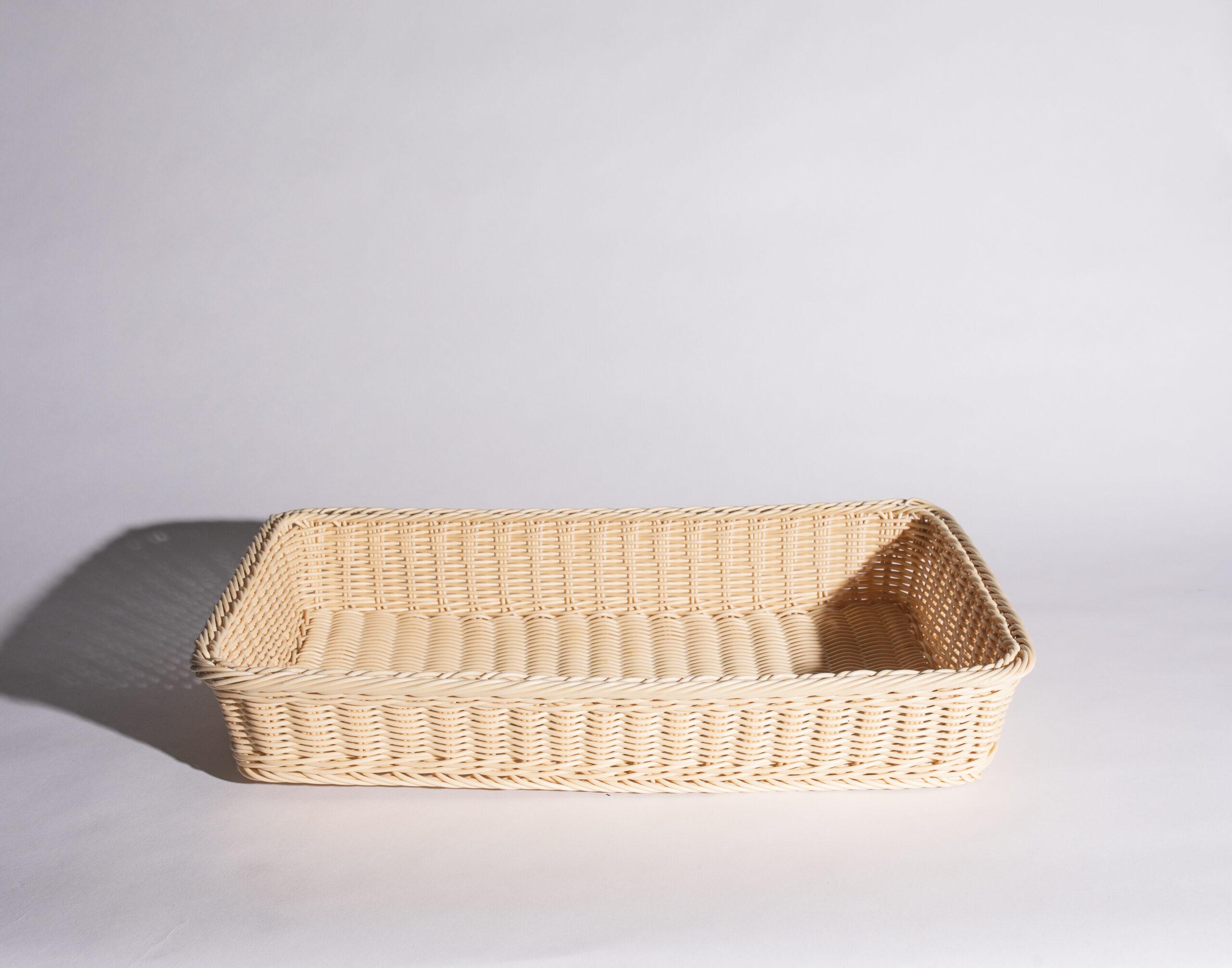 Bread basket (large, wicker)