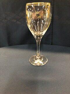 Wine glass (8oz, stemmed)